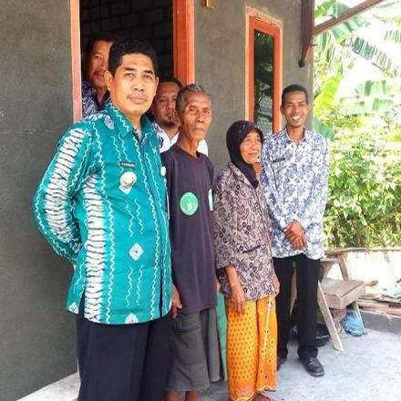 Album : Kunjungan Camat Palang pada KPM RTLH