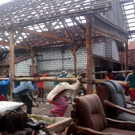 Album : Gotong Royong Masyarakat desa pada RTLH